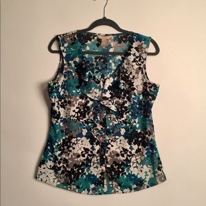 Banana republic sleeveless ruffle front blouse L